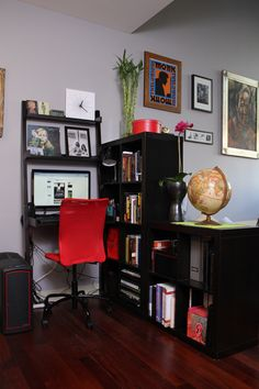 TOP IDEA right now!!!     bookshelf arrangement as room divider - just imagine the front door on the other side