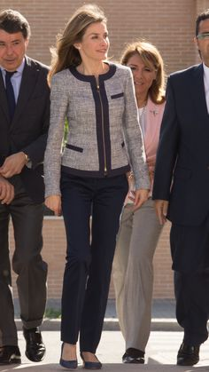 30 reasons why Queen Letizia of Spain should be your new style icon - AOL Work Fashion, Fashion News, Fashion Looks, Fashion Trends, Corporate Fashion, Queen Letizia, Princess Letizia, Work Wardrobe, Royal Fashion