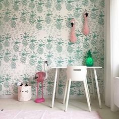 Green pineapple wallpaper.. Well yeah why not ?? by @room4kids_kidsconceptstore reposted via @flexaworld #kidsinteriors_com - - - - - #kidsinteriors #kidsinterior #kidsroom #childrensroom #barnrum #barnerom #barnrumsinspo #chambreenfant #kinderkamer #kinderzimmer #kidsinspo #kidsdesign #kidsdecor #decorforkids #kidsroominspo #kidsconceptstore