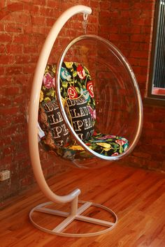 Hanging Bubble Chair: I'm so getting this for my daughters room!