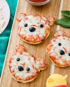 Sirve el almuerzo más lindo con las mini pizzas Winnie the Pooh - Sirve el almuerzo más lindo con las mini pizzas Winnie the Pooh La mejor imagen sobre diy crafts p - Cute Snacks, Snacks Für Party, Cute Food, Good Food, Yummy Food, Kid Snacks, Fruit Snacks, Lunch Snacks, Comida Disney