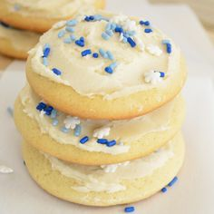 Holiday Soft Sugar Cookies (Lofthouse Copycat); JC~ I have found these are best the day AFTER they were made, and yes, they really do taste like the ones at the grocery store!