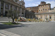 Petersplatz mit Altar