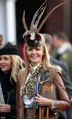 Another added interest to her outfit with a leopard print snood and a dramatic headpiece Race Day Fashion, Races Fashion, Fashion Tips, Fashion Ideas, Races Outfit, Country Casual, Classic Outfits, Thigh High Boots, Fur Trim