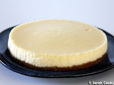 Small Cheesecake Small Cheesecake Recipe, Classic Cheesecake, Cheesecake Recipes, Roasting Tins, Digestive Biscuits, Pie Crust Recipes, Cake Tins, Clean Recipes, Sour Cream