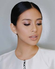 10 Chic and Pretty Beauty Looks to Cop From Gabbi Garcia Nude Makeup, Nude Lipstick, Beauty Makeup, Natural Everyday Makeup, Natural Makeup Looks, Gabbi Garcia, Subtle Cat Eye, Thin Eyeliner, Feather Brows