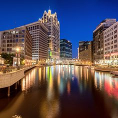 31 Free things to do in Milwaukee  Including free bacon and free pizza...