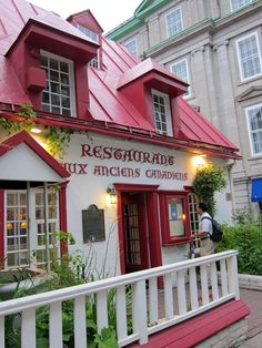 Restaurant Aux Anciens Canadiens is housed at Maison Jacquest, the oldest house in Quebec (built in Since this restaurant has been serving traditional Quebecois dishe Samuel De Champlain, Le Petit Champlain, Quebec Montreal, Old Quebec, Quebec City, Great Places, Places Ive Been, Beautiful Places, Alberta Canada