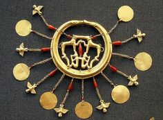Minoans - Aigina Treasure earring 1850-1550BC