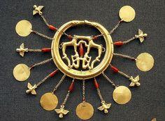 Minoans - Aigina Treasure earring 1850-1550BC