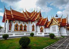 Quer viajar barato? Veja no blog o roteiro e guia grátis com dicas de atrações e pontos turísticos de Bangkok, Tailândia, como os templos, Khaosan Road e +!