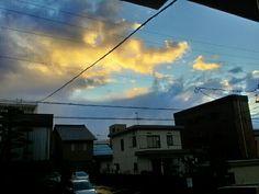 朝の東の空