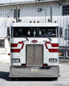 Show Trucks, Big Rig Trucks, Dump Trucks, Old Trucks, Peterbilt 379, Peterbilt Trucks, Classic Tractor, Classic Trucks, Semi Truck Parts
