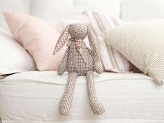 Handmade bestseller🐰 Kids Bedroom, Best Sellers, Bunny, Textiles, Throw Pillows, Blanket, Luxury, Trending Outfits, Handmade Gifts