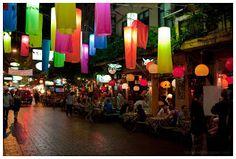 Shisha bar u ulici Soi Rambuttri u Bangkoku. Divna energija, svako sedenje je <3