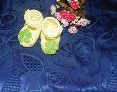 SCARPETTE SCARPINE bebè FATTE A MANO cotone 100% giallo , by Nuvola rossa, 6,50 € su misshobby.com
