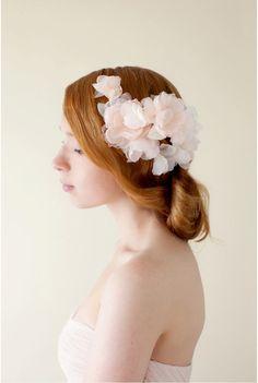 Wedding Bridal Hair Piece Floral Silk Flower par sibodesigns, $246.00