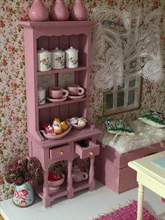 Miniature Shabby Chic Kitchen Cabinet - Villa Huvitus