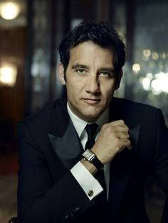 Clive Owen (it was too bad he had to die in Bourne! He turned out to be such a nice assasin...)