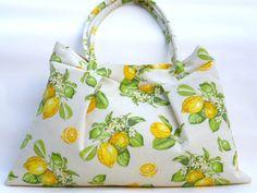 Unikat  +Stoffhandtasche in natur mit Zitronen. Helles Gelb trifft frisches Grün*   Diese Sommertasche besteht aus drei Stofflagen. Das Innenfu...