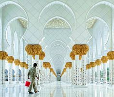 Sheikh Zayed Grand Mosque by Hoang Long Ly