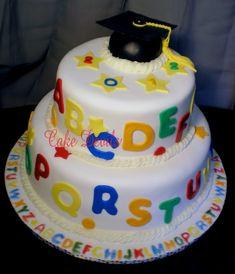 Preschool Graduation Cake // preschool and kindergarten graduation