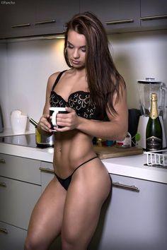 "biczozb: ""Aspiring Belgian fitness model Savannah Prez via http://ift.tt/1XKuQgr """