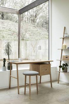 Oak Desk, Wooden Desk, Bureau Design, Table Furniture, Home Furniture, Ladder Shelving Unit, Danish Interior Design, Danish Design, Modul Sofa