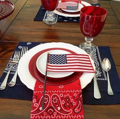 4th of July setting, using everyday dishes and inexpensive bandanas as napkins and placemats