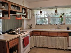 304 Best Conserve w/ Cabinet Curtains images | Sink skirt ...