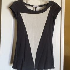 Top T shirt w back cut out Sol angeles Tops