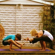 #MiniMeYoga: Parents Challenge Their Kids To Become Yoga Masters - wewomen.com