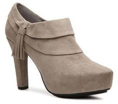 grey taupe ankle bootie for fall