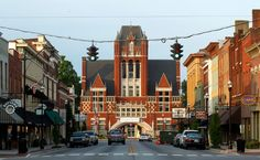 Bardstown, KY - The Most Beautiful Small Town in America