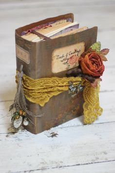 Shabby Chic Interior Design Ideas For Your Home Handmade Journals, Handmade Books, Journal Covers, Book Journal, Altered Books, Altered Art, Book Crafts, Paper Crafts, Book Flowers