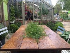 RHS Chelsea 2015. Shaun's beautiful table. By day, middle is filled with daisies, by night, ice and Prosecco!