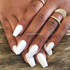 Beautiful set using Whitest White by @thedippedlife :white_small_square::white_medium_square::white_small_square: