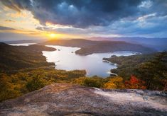 I've always wanted to go here............Lake Jocassee SC