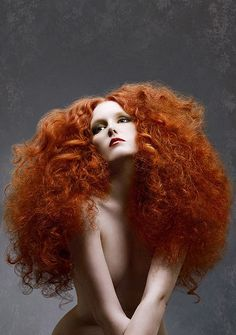 big red hair and beautiful fair skin Crazy Hair, Big Hair, Creative Hairstyles, Cool Hairstyles, Avant Garde Hair, Editorial Hair, Crazy Colour, Beautiful Redhead, Ginger Hair