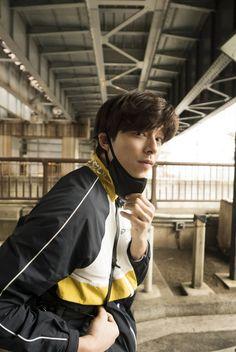 ASK K-POP Gong Yoo, everyday urban riding pictorial Hot Korean Guys, Korean Men, Korean Actors, Gong Yoo Goblin Wallpaper, Kim Go Eun Style, Goblin Korean Drama, Goong Yoo, Goblin Gong Yoo, Ji Eun Tak