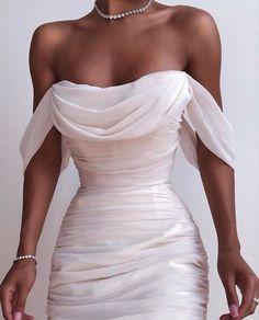 Fancy dresses - Solid Color Backless Dress from Fashion designer – Fancy dresses Pretty Dresses, Beautiful Dresses, Elegant Dresses, White Formal Dresses, White Gowns, Evening Dresses, Prom Dresses, Backless Dresses, Dresses Dresses
