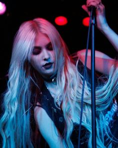 Taylor Momsen ✾ of The Pretty Reckless Taylor Momsen, Taylor Michel Momsen, Taylor Swift, Gossip Girl, Jenny Humphrey, Cindy Lou, Women Of Rock, My Tumblr, Celebs