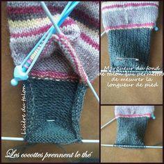 tuto_chaussette10 Loom Knitting, Hand Knitting, Free Crochet, Knit Crochet, Crochet Slippers, Beaver Tails, Vader Star Wars, Mitten Gloves, Owl Hat