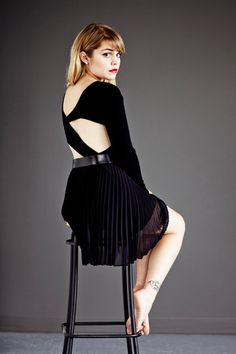 Coeur de Pirate - Béatrice Martin - this looks like a poster for Chicago Beatrice Martin, Star Show, Celebrity List, Portraits, The Black Keys, Celebs, Celebrities, Look Fashion, Sexy Legs