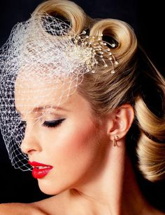 http://bleuvous.com/wp-content/uploads/2014/04/bleuvous-wedding-hairstyles67.jpg