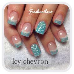 Chevron nails | blue | gel nails