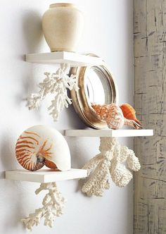 Diy coastal beach decor to bring the beach to your house 23 Beach Cottage Style, Beach Cottage Decor, Coastal Decor, Diy Home Decor, Coastal Living, Tropical Decor, Coastal Style, Coral Bathroom, Beach Bathrooms