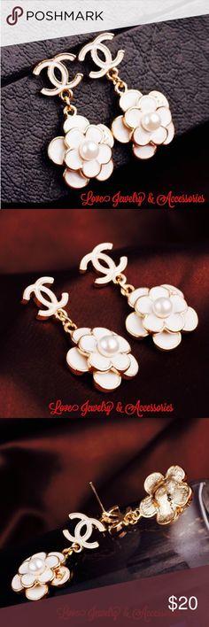 Sale❗️✂️❗️C Logo White Flower Dangle Earrings New Luxury Design C Logo White Flower Dangle Earrings. Size 3cm x 1.8cm Love Jewelry & Accessories Jewelry Earrings