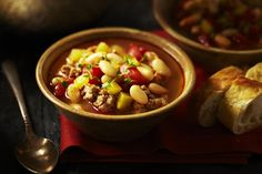 Spicy Italian Sausage and White Bean Soup Recipe White Bean Soup, White Beans, Chili Soup, Bean Soup Recipes, Cooking Recipes, Healthy Recipes, Yummy Recipes, Light Recipes, Soup And Salad