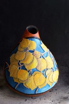 gourd art by Sintie Decorative Gourds, Hand Painted Gourds, Gourds Birdhouse, Gourd Lamp, Art Carved, Vases, Leaf Art, Pyrography, Biscuit